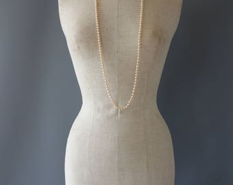 Art Deco off white drop necklace | 1930's by cubevintage