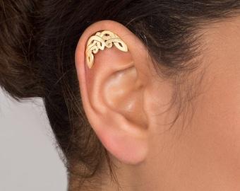 Gold Celtic Cartilage Earring - cartilage stud , helix earring , gold helix earring , helix piercing , ear piercing , celtic moon, celtic