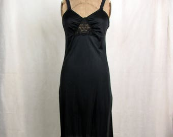 Vintage Movie Star Nylon full Slip ~ Side Slits ~ Black Lace Inset ~ Medium ~ Elastic Black Lace Shoulder Straps
