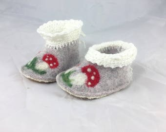 Baby booties, Wool Felted baby shoes, soft baby shoes, needle felted toad stools