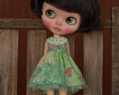 Lace and Roses Dress for Blythe Doll