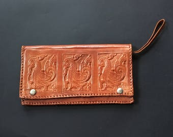 Vintage 70s Tooled Leather Stylized Pattern Bird Clutch Bag