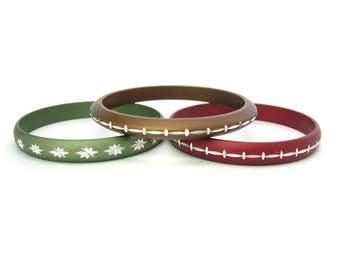 Metal Stacking Bracelets. Diamond Cut Aluminum Bangles. Engraved Accents, Anodized. Set / 3 Vintage 1960s Retro Buehler Indianapolis Jewelry