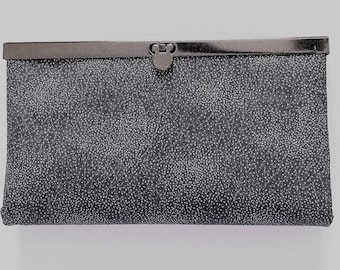 Stylish Black Clutch Wallet for Casual Date Night