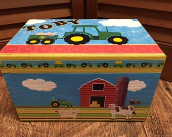 Tractor and Farm Wood Treasure Box, Tractors, Little Boys, Farm Animals, Barn Trinket Box, Decoupaged Wooden Boxes, Wooden Boxes