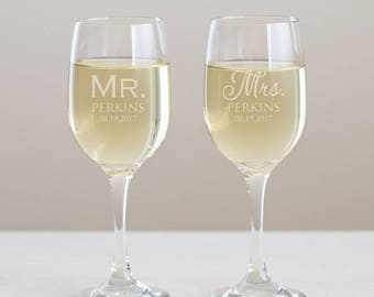 Personalized Mr. & Mrs. Wine Glasses Pair: Engraved Mr. Mrs. Wine Glasses, Custom Mr. Mrs. Wine, Bride Groom Wine Glasses, SHIPS FAST