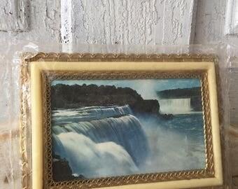 Vintage Niagara Falls souvenir picture frame plastic collector's item from 1950s unopenend original price tag Canada souvenir mid century