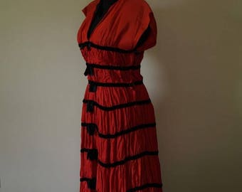 Vintage 1940's red dress with black velvet trim.