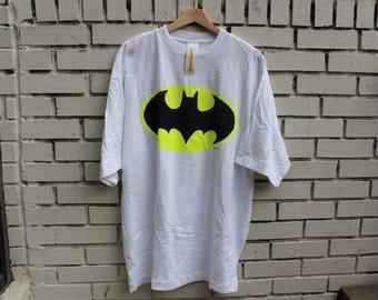 Vintage BATMAN Shirt Size XL X-Large The Bat The Cat The Penguin dc comics warner bros