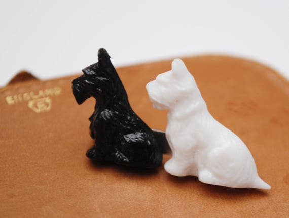 Scottie brooch - two dogs- Black white - plastic - signed Made in Great Britain