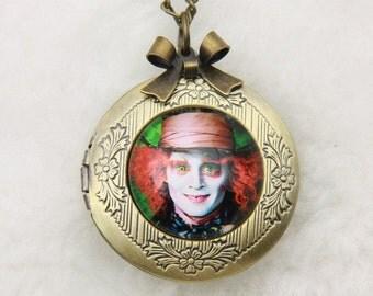 Necklace locket Alice mad Hatter 2020m