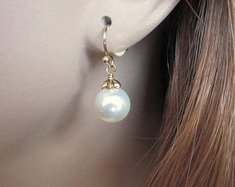 Pearl and Gold Bridal Earrings, Classic Pearl Drop Bride Earrings, Mother of Bride, Vintage Inspired Wedding Jewelry, Vintage Style