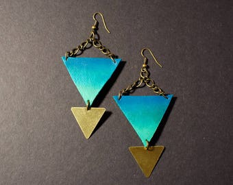 Turquoise and brass triangle earrings - Hand painted