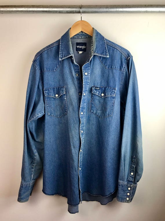 Vintage Men's Wrangler Chambray Button Up