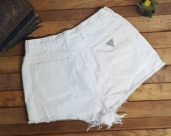 "90s w30"" Guess shorts White"