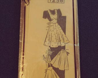 1258 Pattern Apron Pattern Size 14-20 Pattern for Sewing.  Unused Three Apron Styles