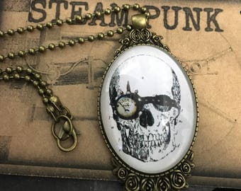 Steampunk skull / steampunk cabochon / steampunk necklace / Skull pendant / steampunk necklace / cameo pendant /bronze necklace