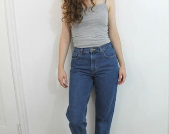 Vintage 90s LL Bean high rise mom jeans in medium wash, size 4