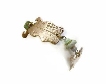 Bracelet ethnique en bronze doré clair mat et perles vert