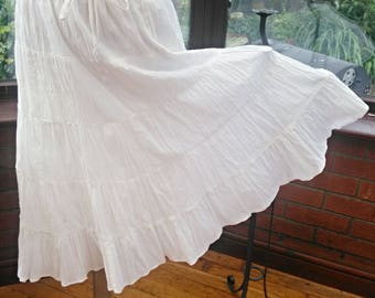 White cotton frilled lined skirt bead trimmed stretch waist free size 26inch to 36inch waist 27inch length