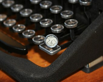 Leo Typewriter Key Pin