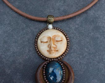 """Necklace the moon embroidered Zen """" Danam """""""