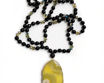 mellow yellow agate necklace