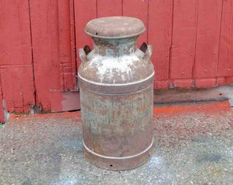 Vintage Milk Can McDonald Co. Or Dairy Co. Flint Mich. 56 1950's,Galvanized Steel Milk Can,Farmhouse Decor, Large, Lid Comes Off