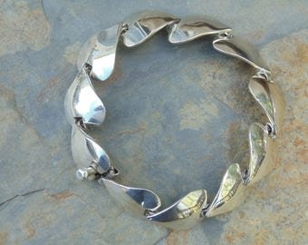Mexican Sterling Silver Heart Link Bracelet - 29 Grams