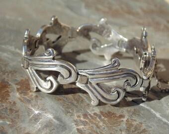 J. Flores ~ Vintage Taxco Thick Gauge Sterling Silver Incised Link Bracelet - c. 1950's