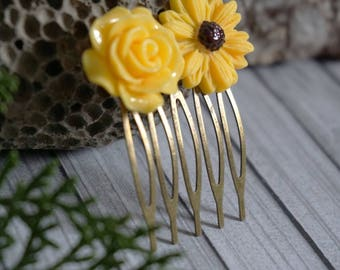 Sunflower hair comb Sunflower comb Bridal hair comb Sunflower wedding hair comb Sun Flower hair comb Rustic Wedding hair accesory Hair piece