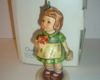 Hummel Goebel W Germany 1980s HUM 431 The Surprise with box