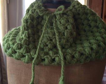Snood, chèche, cache-cou ou cache-épaules, 4/1 en alpaga tricoté mains, vert anis, TU,mailles xxl