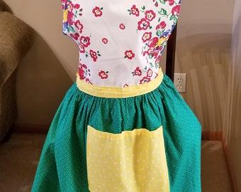 Retro Style Moda Towel Full Apron, Retro Look Apron, Full Skirt Apron, Fruit Apron, Ready to Ship, MarjorieMae
