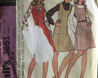 McCalls 3651 - 1970s Princess Seamed Jumper with U V or Square Neckline - Size 12 Bust 34