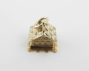 Vintage 18 K Yellow Gold 3D Lovers House Home Cabin Charm Pendant opens up