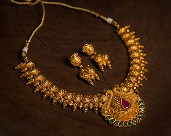 Maangai Necklace | Indian jewelry | Temple kundan gold kemp South Indian jewellery | Pendant Maala Necklace