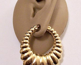 Monet Extra Large Shrimp Graduated Hoops Pierced Earrings Gold Tone Vintage Big Ribbed Puffed Long Oval Ring Dangles Surgical Steel Posts