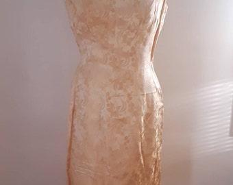 Vintage 1960's Gold Daffodil Floral Embossed Satin Wiggle Dress Sleeveless Sz Small Elizabeth Taylor Marilyn Monroe