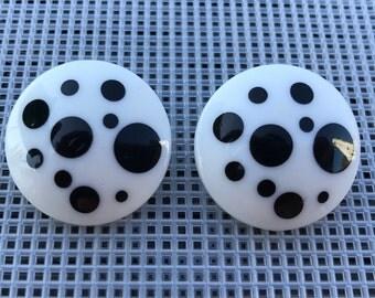 Vintage Polka Dot Earrings // Black and White Earrings // Geometric Earrings // Vintage Avon Polka Dots 1987 // 80s Earrings