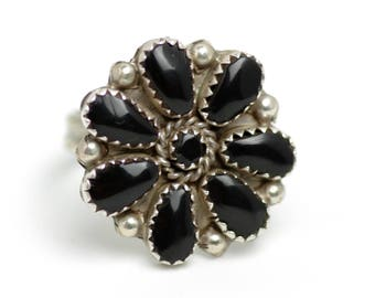 Vintage 1970s Onyx and Sterling Silver Petit Point Flower Cluster Southwestern Native American Ring Size 8.25