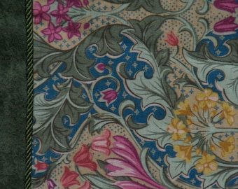 Vintage Arts & Crafts Style Table Runner