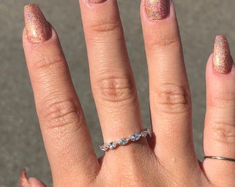 14kt White Gold Marquise Shared-Prong Diamond Eternity Band
