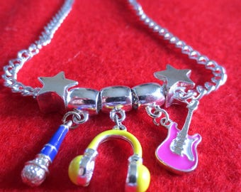 Music lovers necklace with 2 inches extension chain