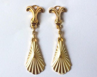 Vintage 1930's Art Deco Elegant Enamel White Gold Fleur De Lis Symmetrical Statement Clip On Earrings