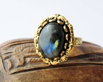 Gemstone Ring Statement Jewelry Labradorite Jewelry Labradorite Ring Adjustable Ring Mystic Ring Mystic Crystal Ring Gold Vintage Ring