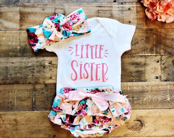 Little Sister Baby Baby Bodysuit, Baby Girl, Girl Clothing, Baby Clothes, Baby Gift, Baby Shower, Coming Home