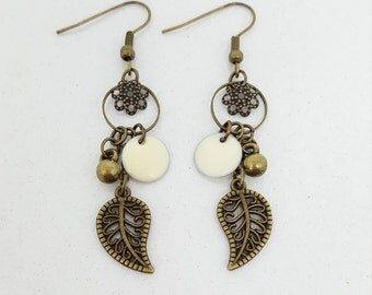 Flower and leaf - sequin enamel beige earrings