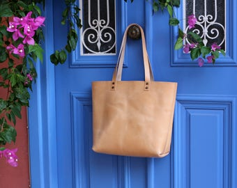 Tote bag Tote bag with pockets Large leather tote bag Natural color  Hand stitched  Handmade tote  Shoulder bag
