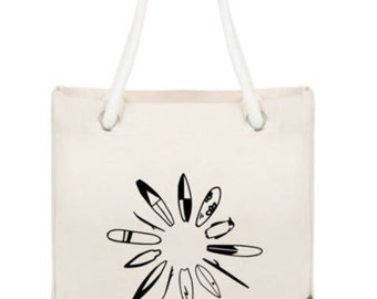 Canvas Tote: Blending in
